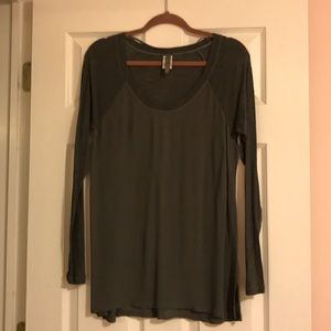 Soft tunic,size M. Dark green color